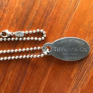 Return to Tiffany & Co. Oval Dog Tag Necklace
